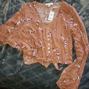 Tilly's Cropped Button down Top